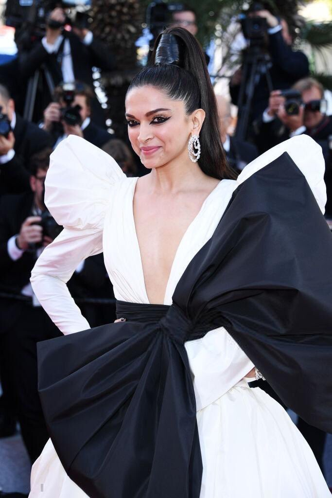 deepika padukone in white gown