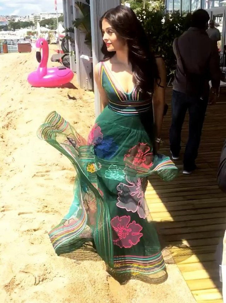 Aishwarya Rai Bachchan looked  Absolutely Stunning In Yanina Couture Spring 2017