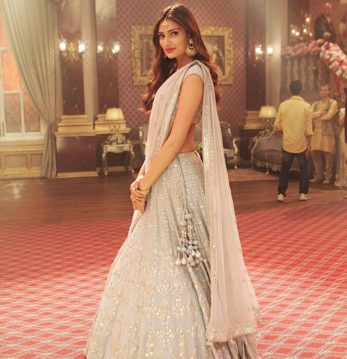 Athiya Shetty Looked Traditional In Anita Dongre's Lehenga