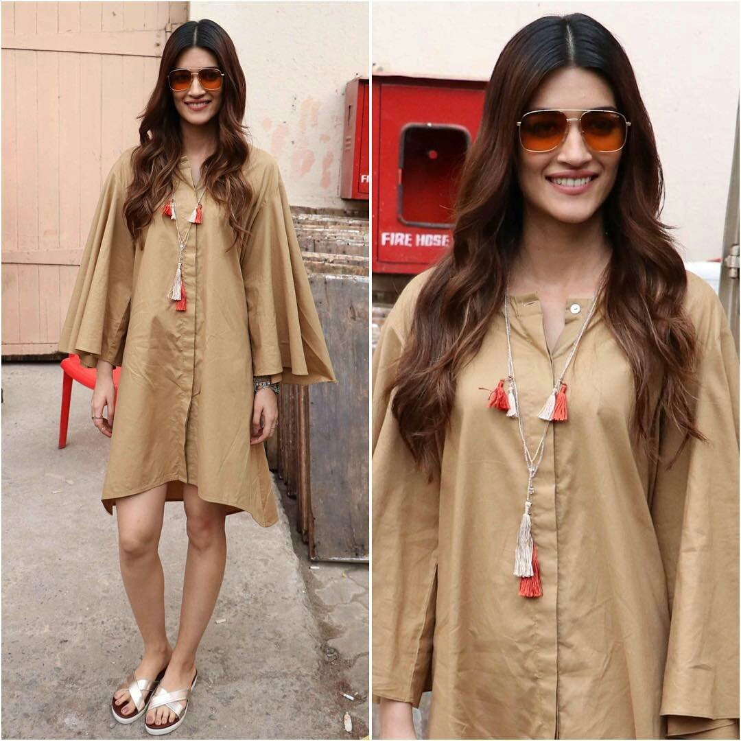 Kriti Sanon Looked  Fabulous At 'Bareilly Ki Barfi' Promotion Event