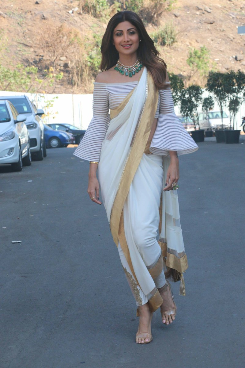 shilpa shetty looked beautiful in designer saree
