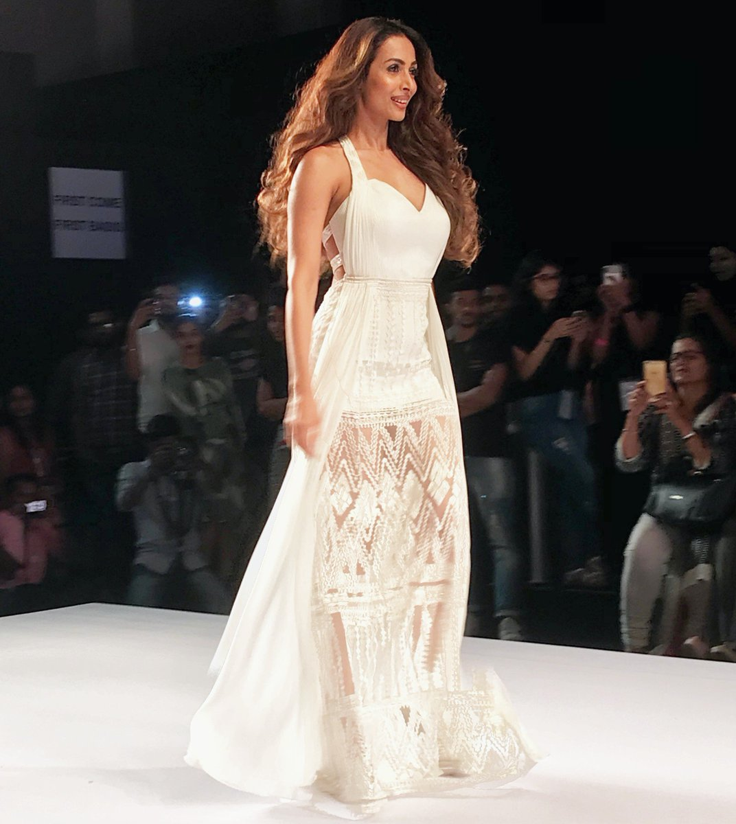 Summer Ready in White, Malaika  Arora Walks on The Ramp for Mandira Wirk at Bombay Times Fashion Week