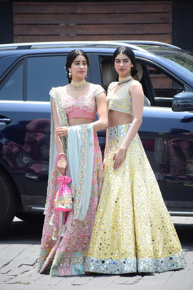 Sridevi's daughters Janhvi Kapoor & khushi kapoor at sonam kapoor's wedding
