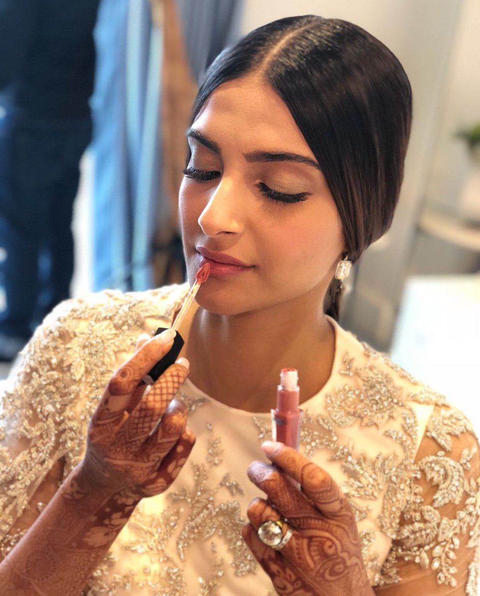 Sonam-Kapoor-in-Designer-Lehenga-Crafted-by-Ralph-&-Russo-at-Cannes-Film-Festival