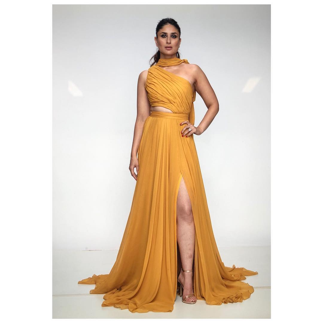 Kareena-Kapoor-in-Prabal-Gurung's-designer-dress