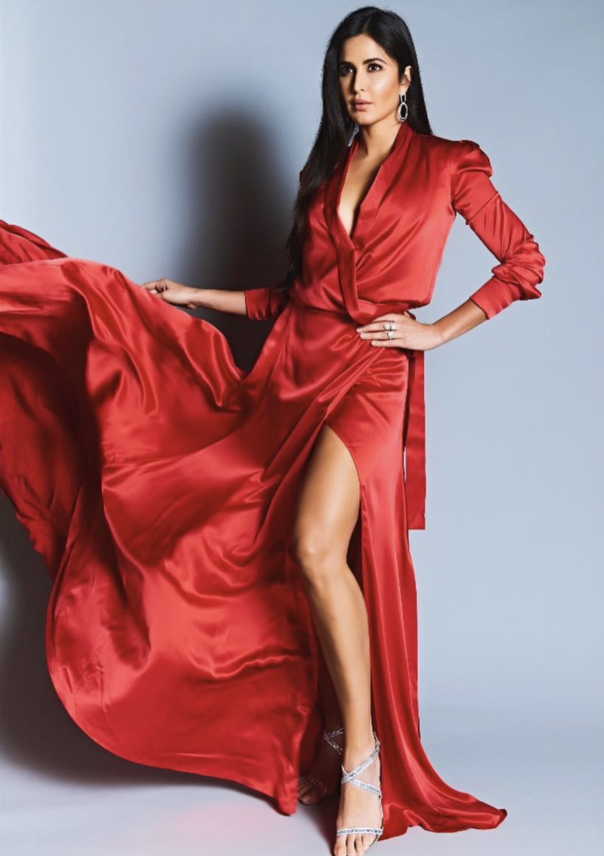 Katrina-Kaif-in-Ong-Oaj-Pairam's-Red-Designer-Dress-at-Vogue-Beauty-Awards