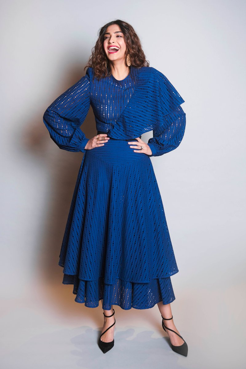 Sonam-Kapoor-in-Navy-Blue-Dress-by-Georgian-Designer-Keti-Chkhikvadze