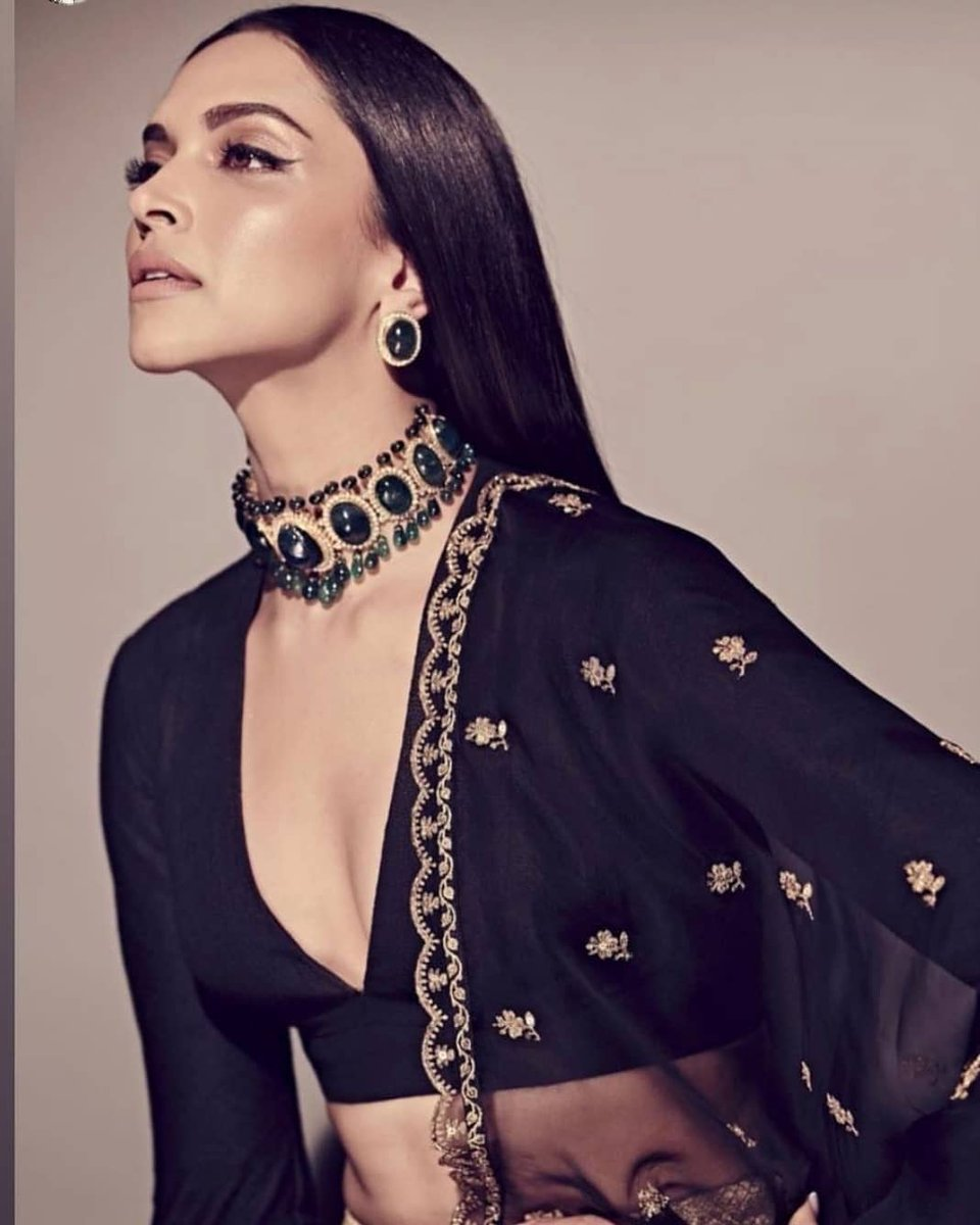 Deepika Padukone's Signature Makeup Look With These 6 Products