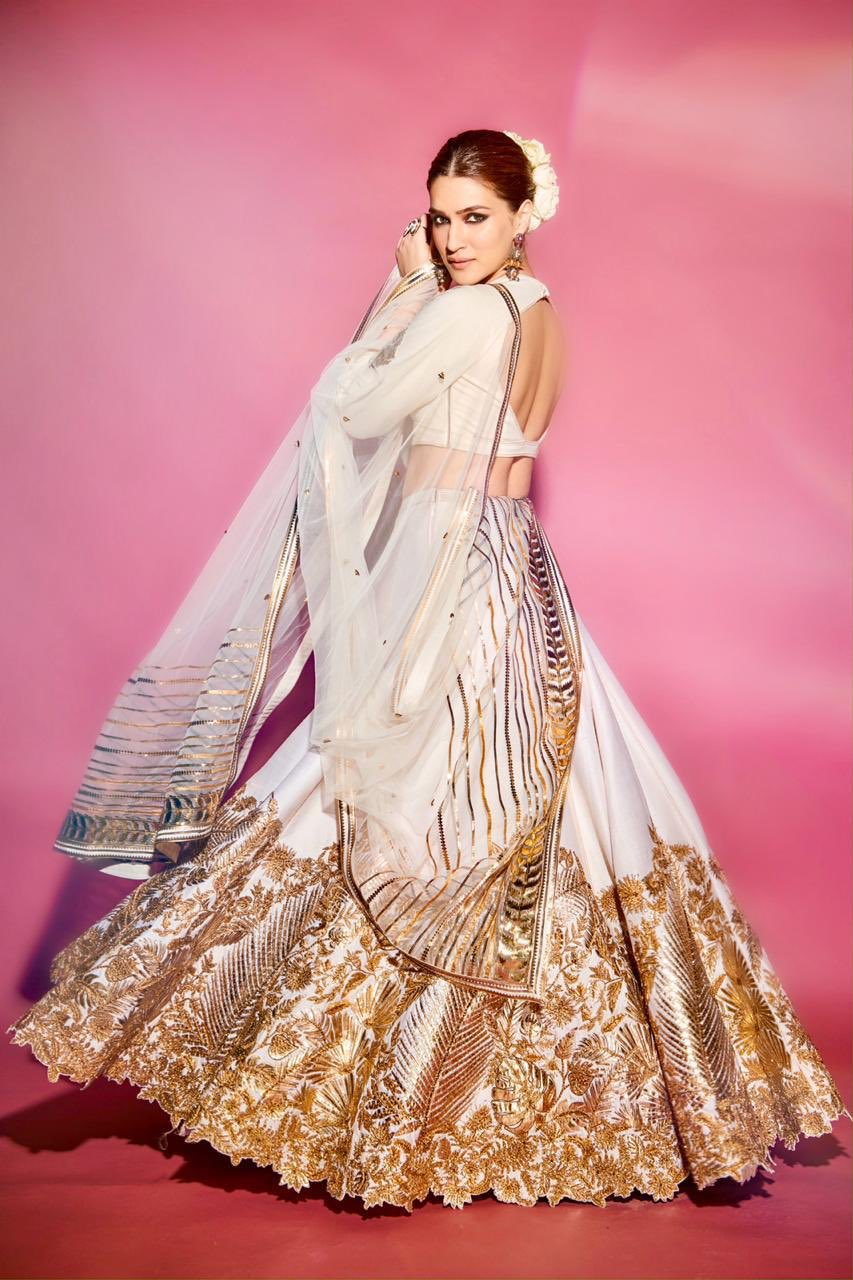 Kriti Sanon in White Embroidered Lehenga Dupatta Set from Shantanu and Nikhil's Collection