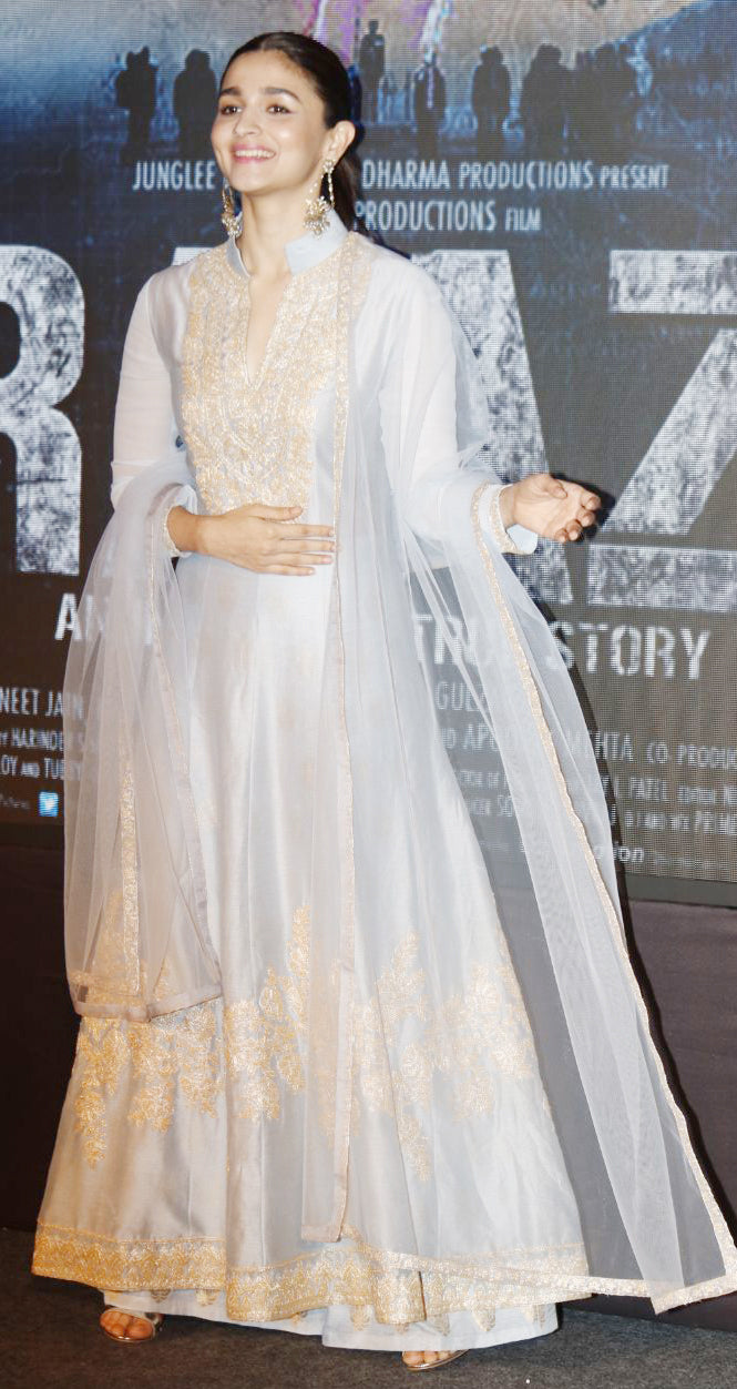 Alia-Bhatt-in-manish-malhotra-suit