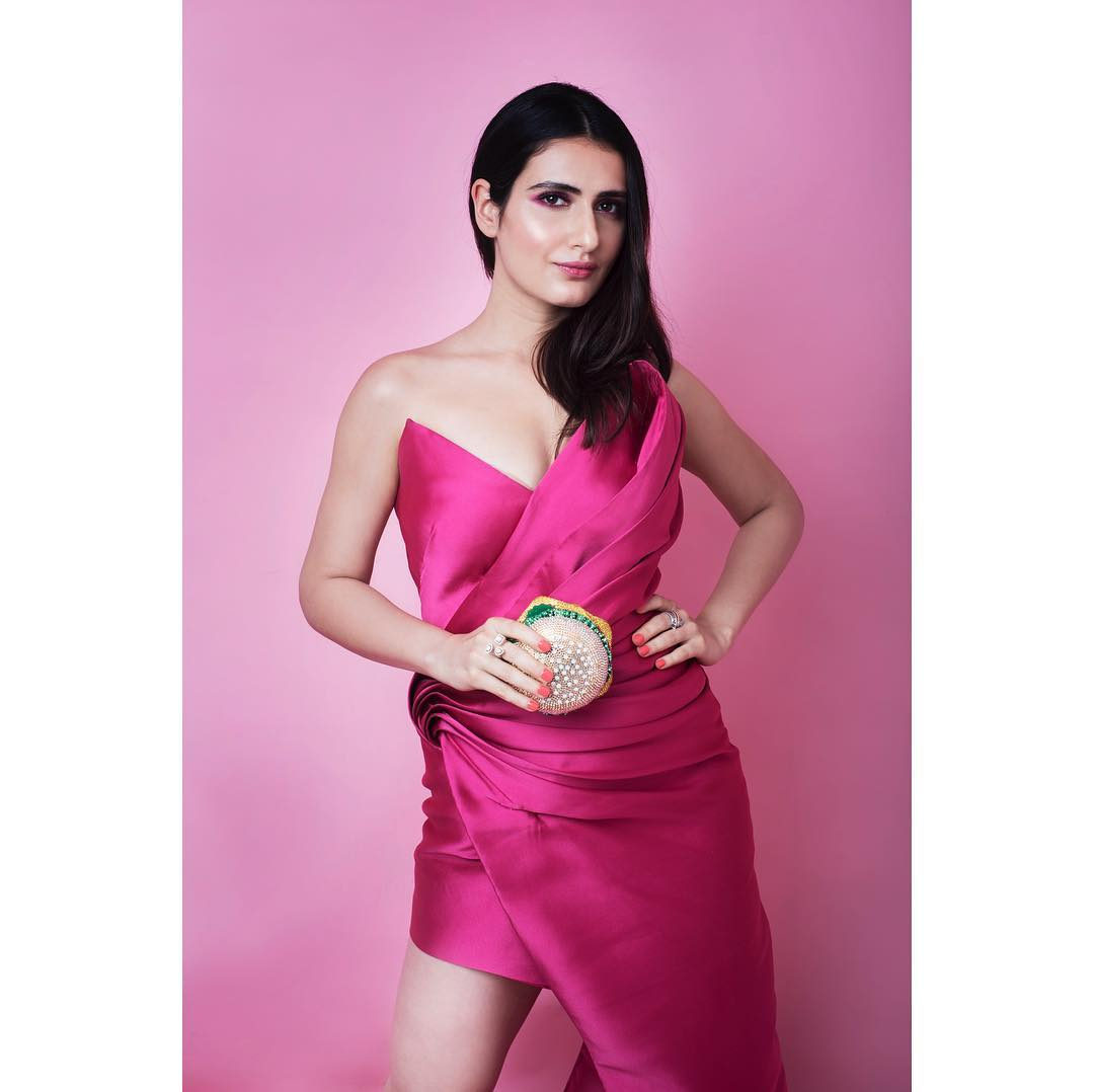 Fatima-Sana-Shaikh-in-Pink-Dress
