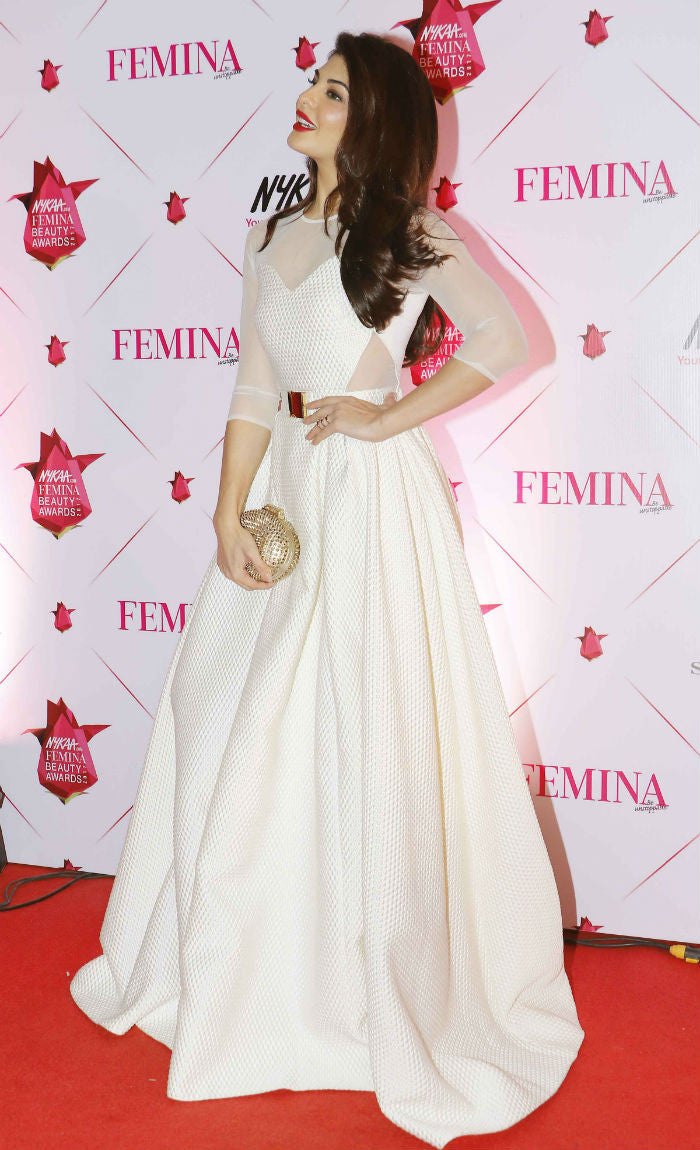 Jacqueline Fernandez Looked Enchanting in Designer Hasan Hejazi Spring/Summer 2016 Collection's White Gown at Femina Beauty Awards 2017