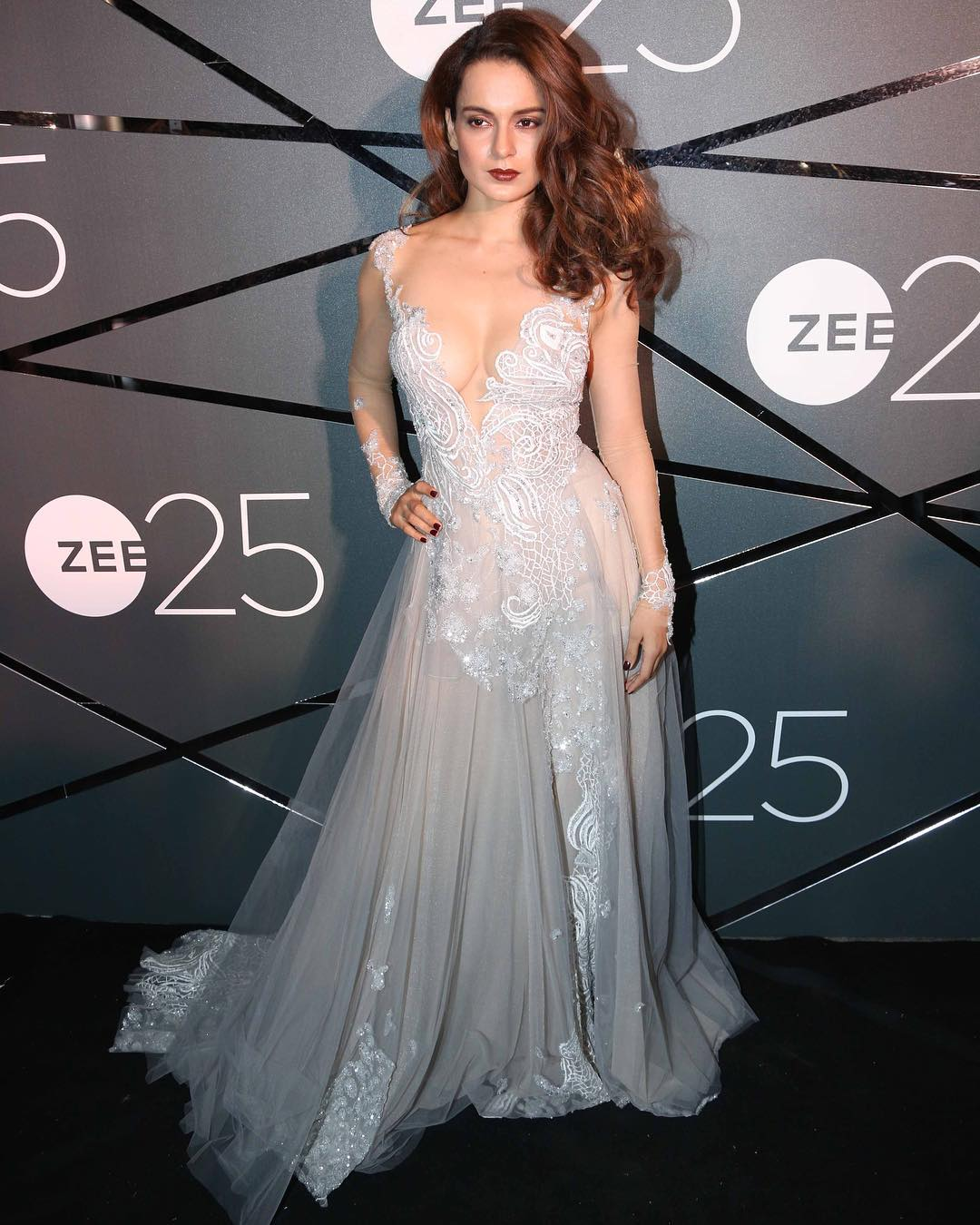 Kangana Ranaut Looked Absolutely Stunning At Zee Cine's 25th Aniversary Celebration