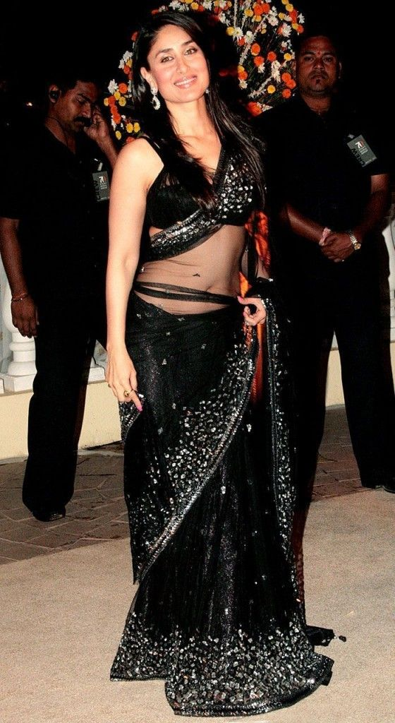kareena-hot-black-saree