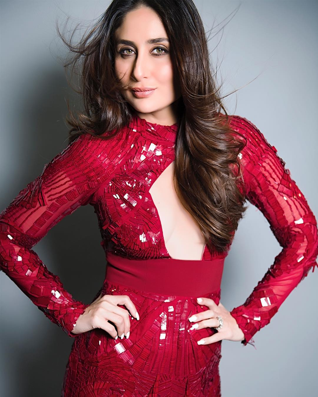 Kareena Kapoor Khan's Super Sexy Look Will Surely Turn You You Crazy