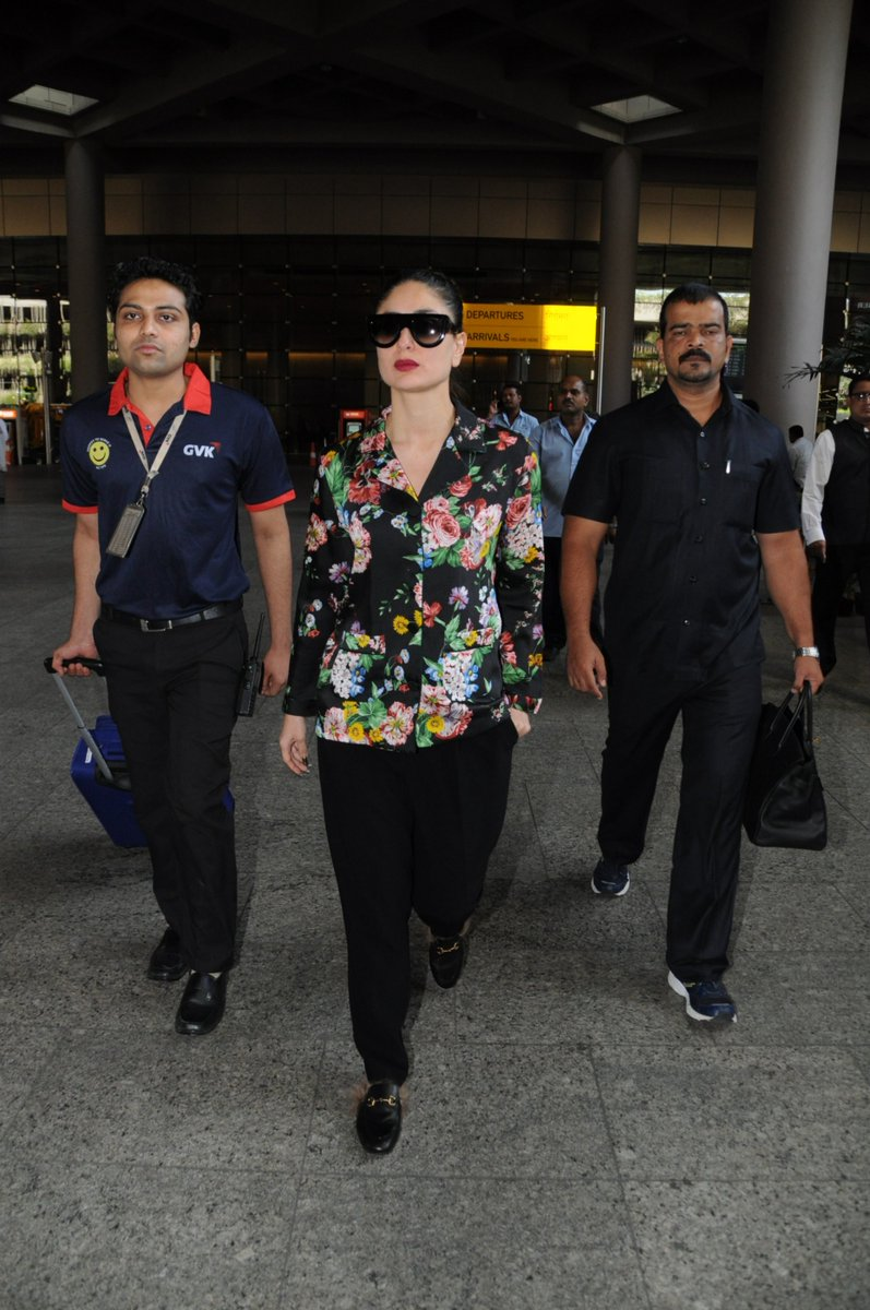 Kareena Kapoor Photographed At Mumbai Airport In 70s Look