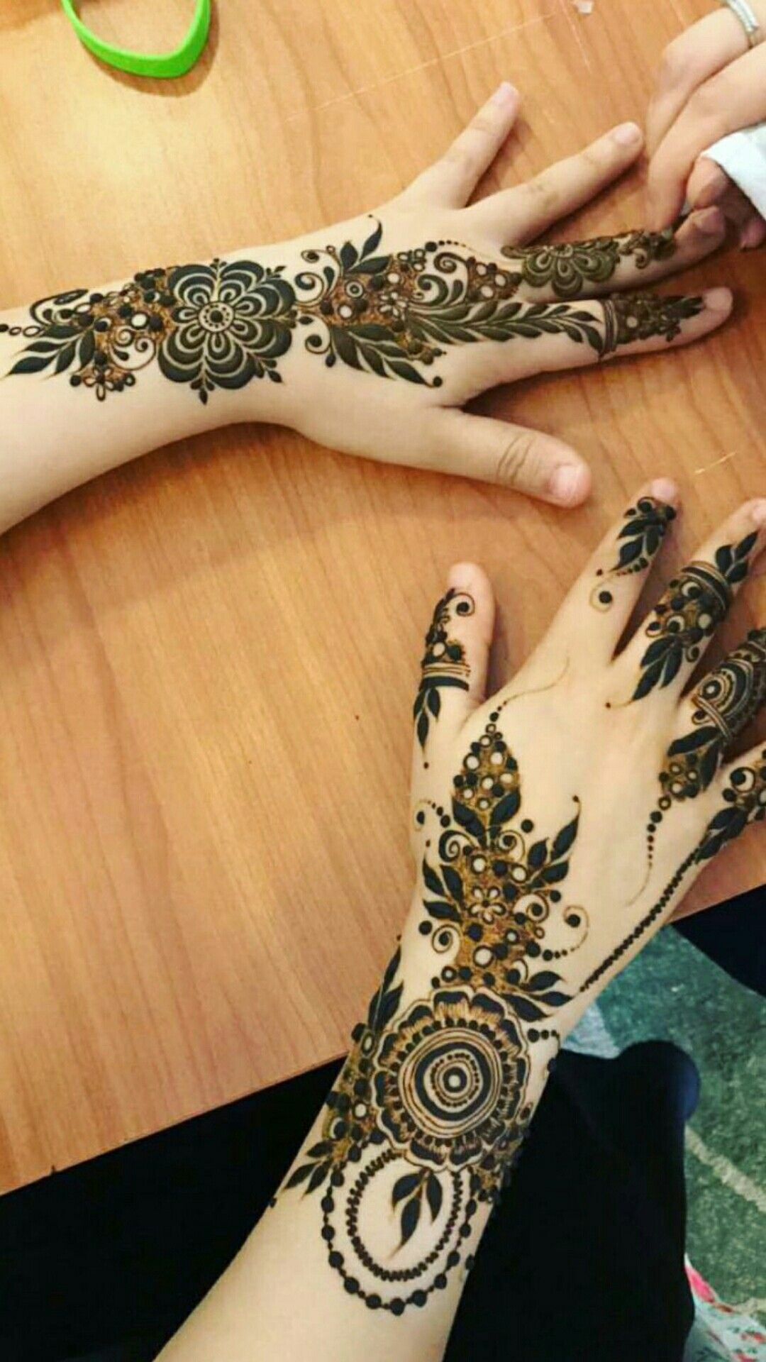 mehendi-designs-for-girls