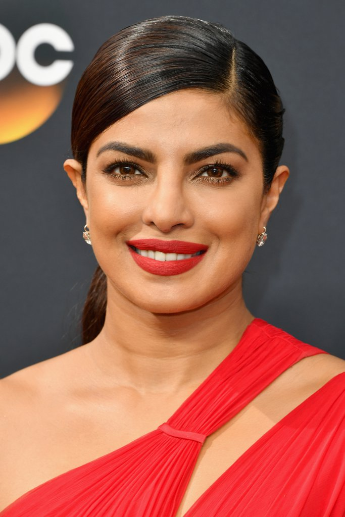 Priyanka-Chopra-Hair-Makeup-Emmy-Awards-2016