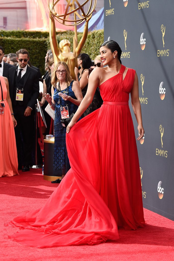 You-Will-Never-Be-as-Exultant-as-Priyanka-Chopra-on-the-Red-Carpet