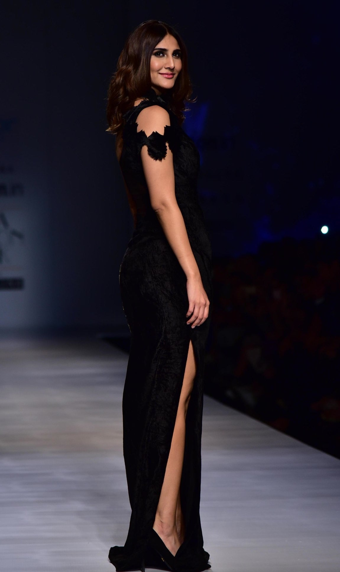 Vaani Kapoor Looked Like Black Magic in Rina Dhaka's Designer Gown at Amazon India Fashion Week 2017