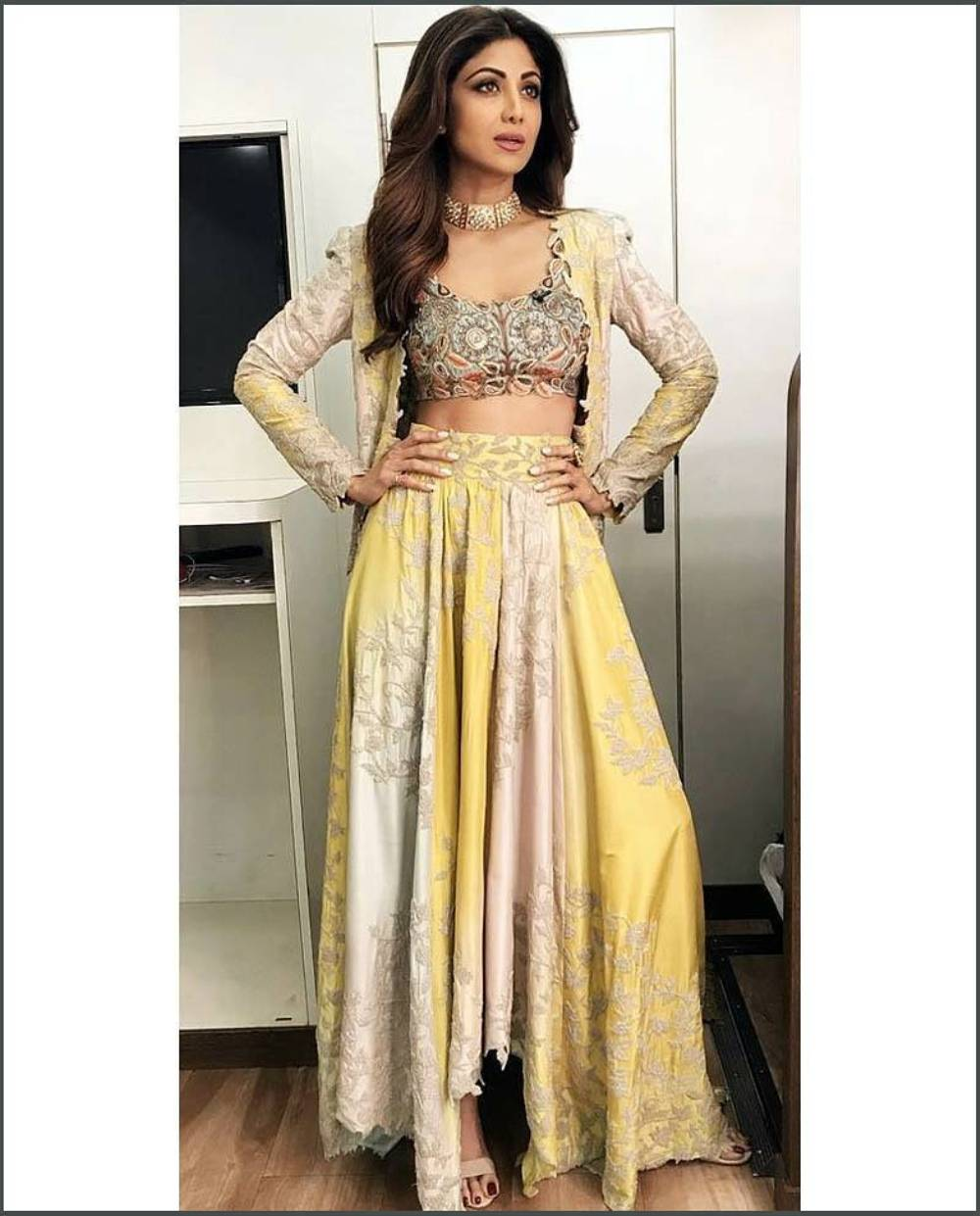 Shilpa Shetty Yellow And Off-White Lehenga Is Perfect For You This Wedding Season