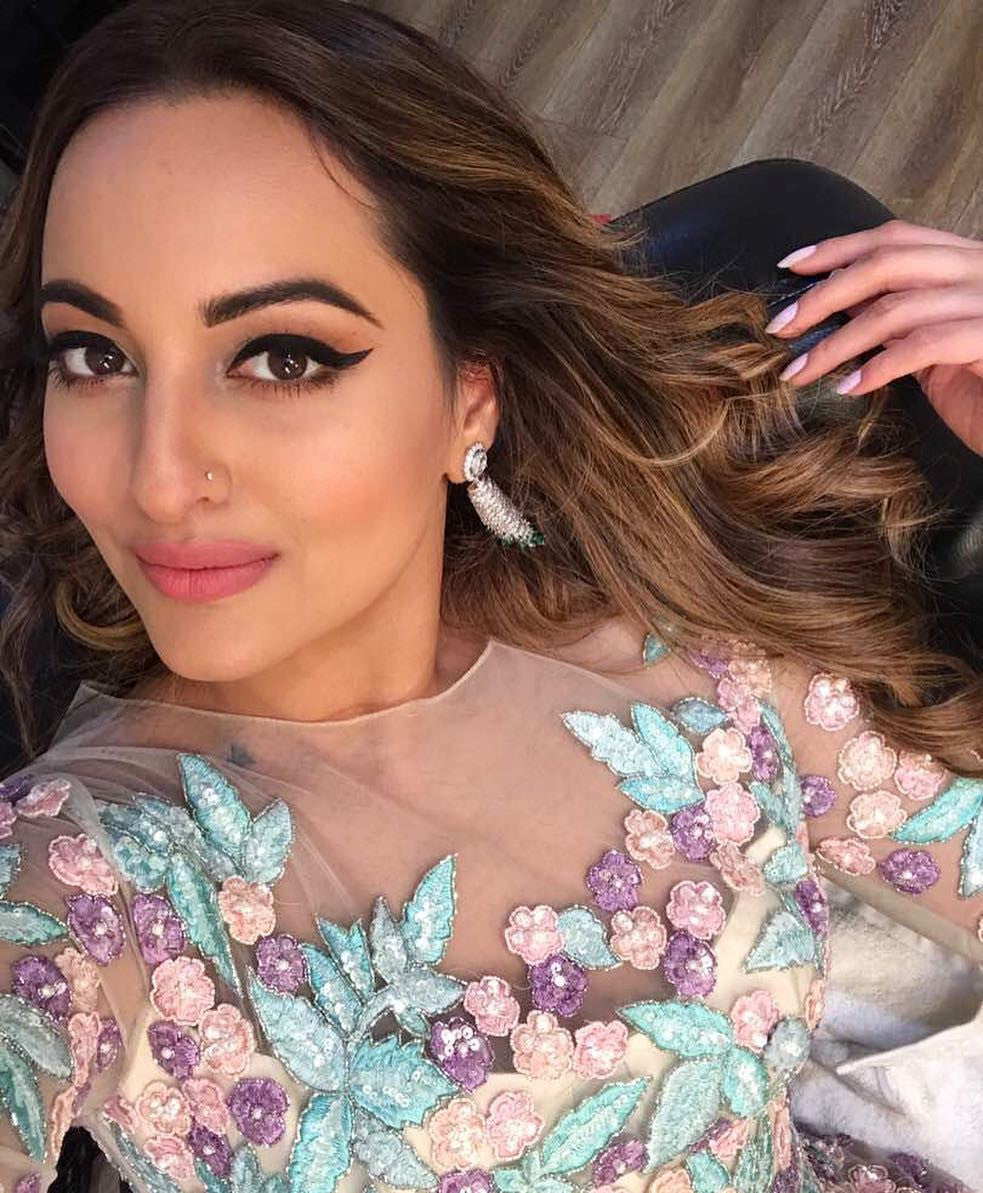 Sonakshi Sinha looked gorgeous in Manish Malhotra's Designer Gown