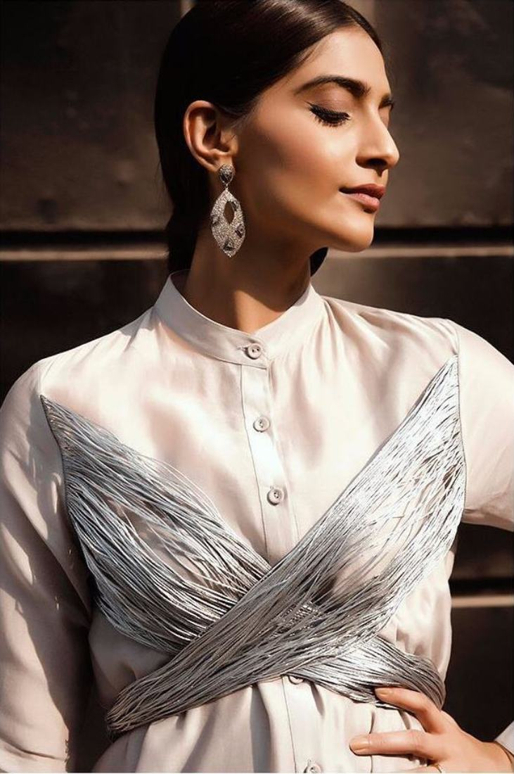 Sonam Kapoor 's Latest Promotional Look is Unbelieveable