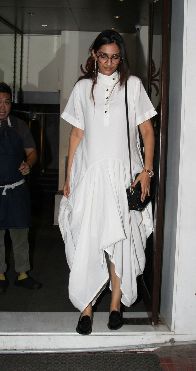 Sonam Kapoor Just Rock in The Traditional Look Draped Dress By Chola