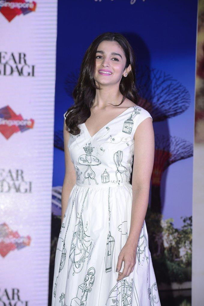 Alia Bhatt in white v neck style printed midi dress at Badrinath Ki Dulhania promotion