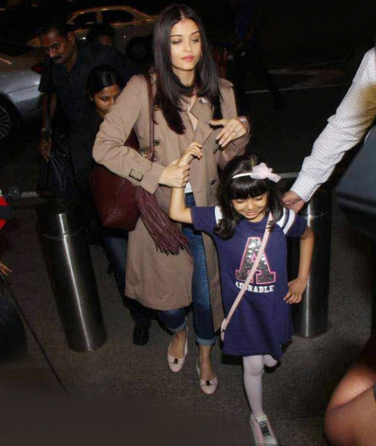 Aishwarya Rai Bachchan Looked Radiant At The Mumbai International Airport