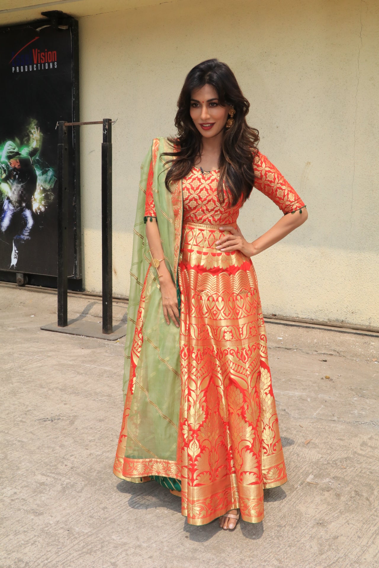 Chitrangda Singh looked beautiful in the orange Banarsi anarkali suit