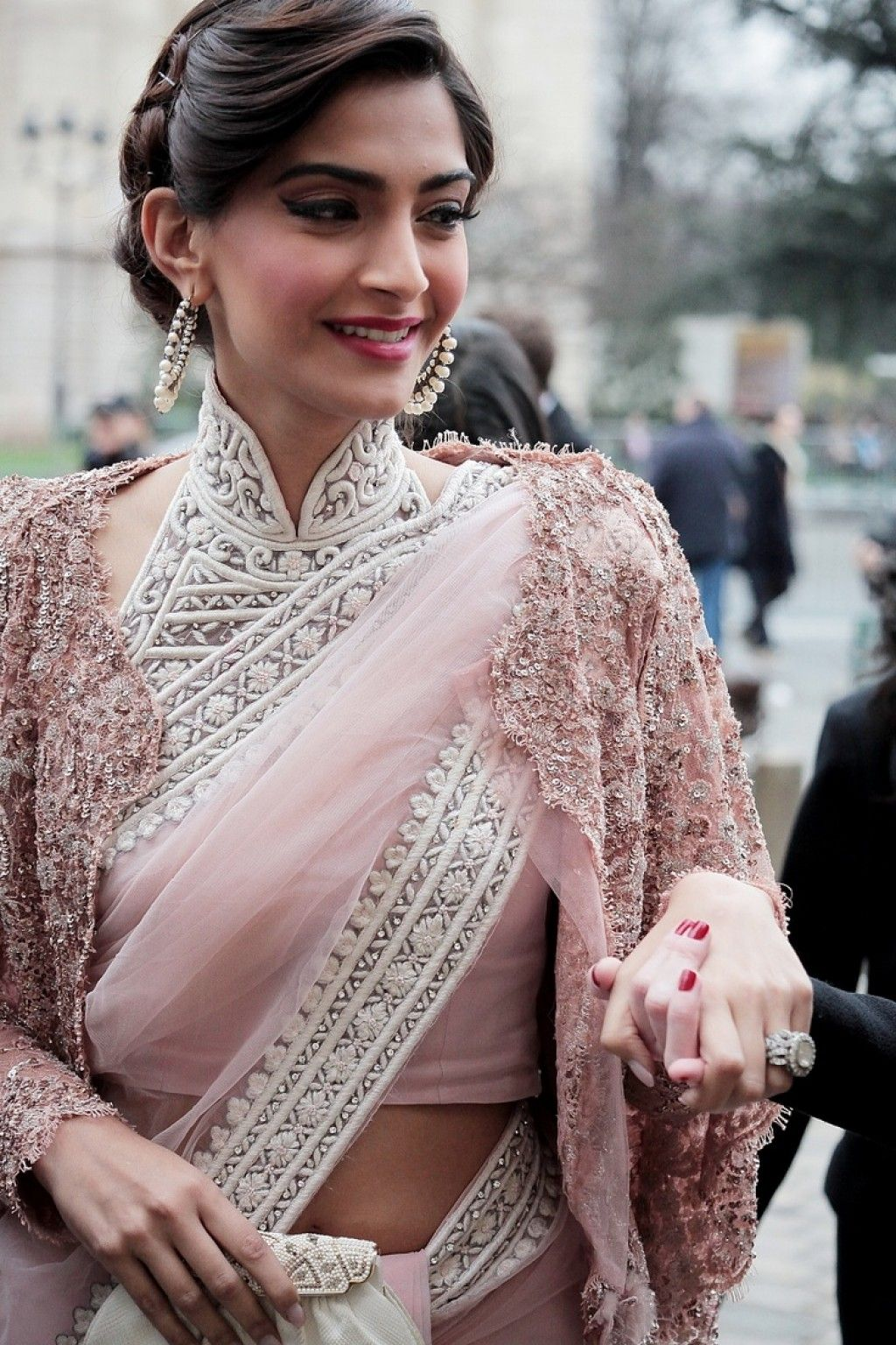 collar-neck-saree-blouse