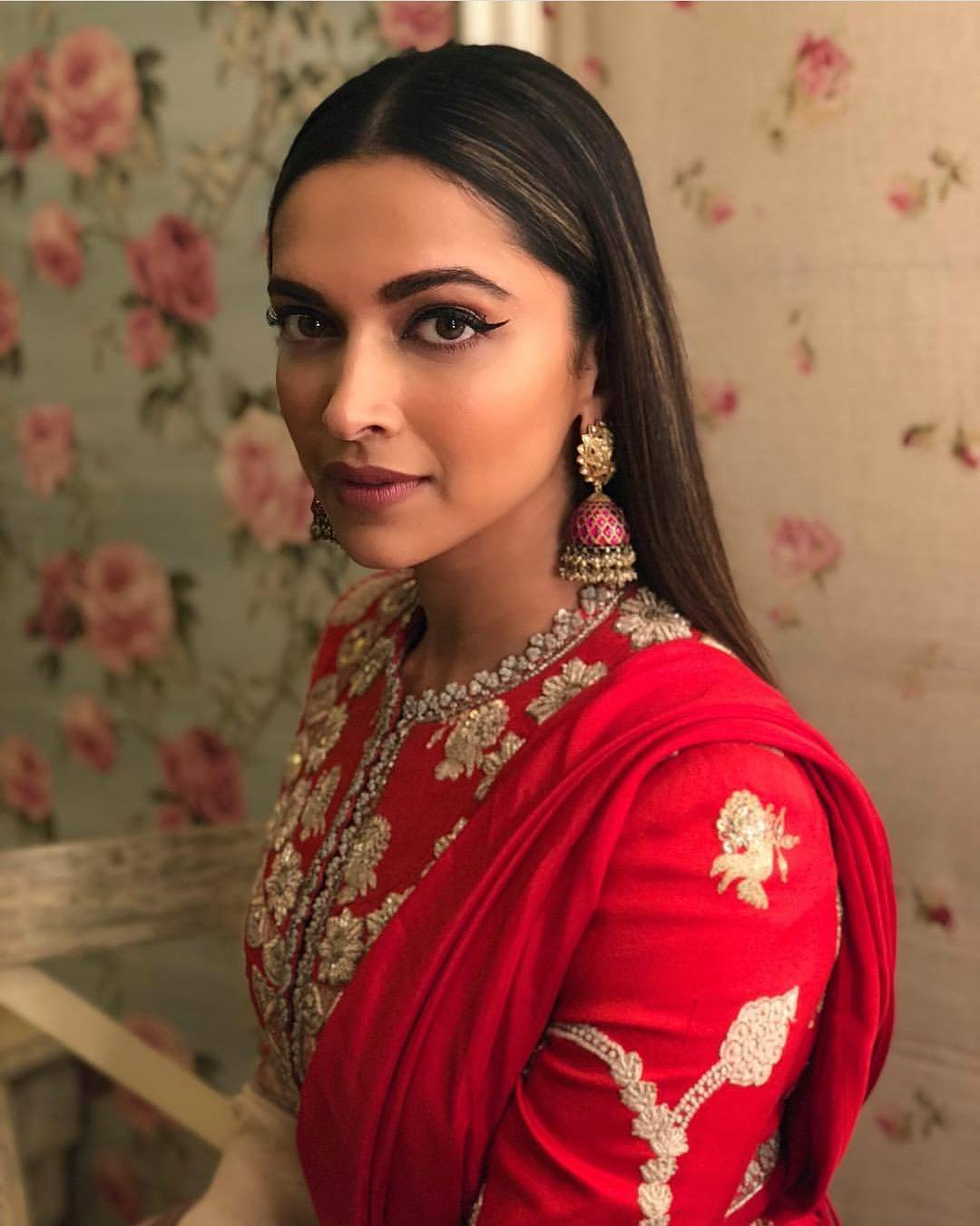 Wao!! Deepika Padukone's Bridal Beauty Ethnic Glam Look We Bet You've Never Seen Before