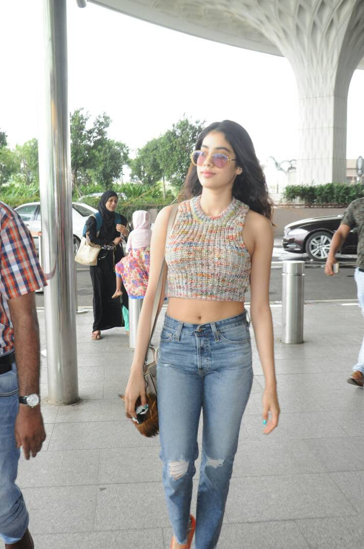Jhanvi Kapoor Looked Like a Fashion Queen At The Airport