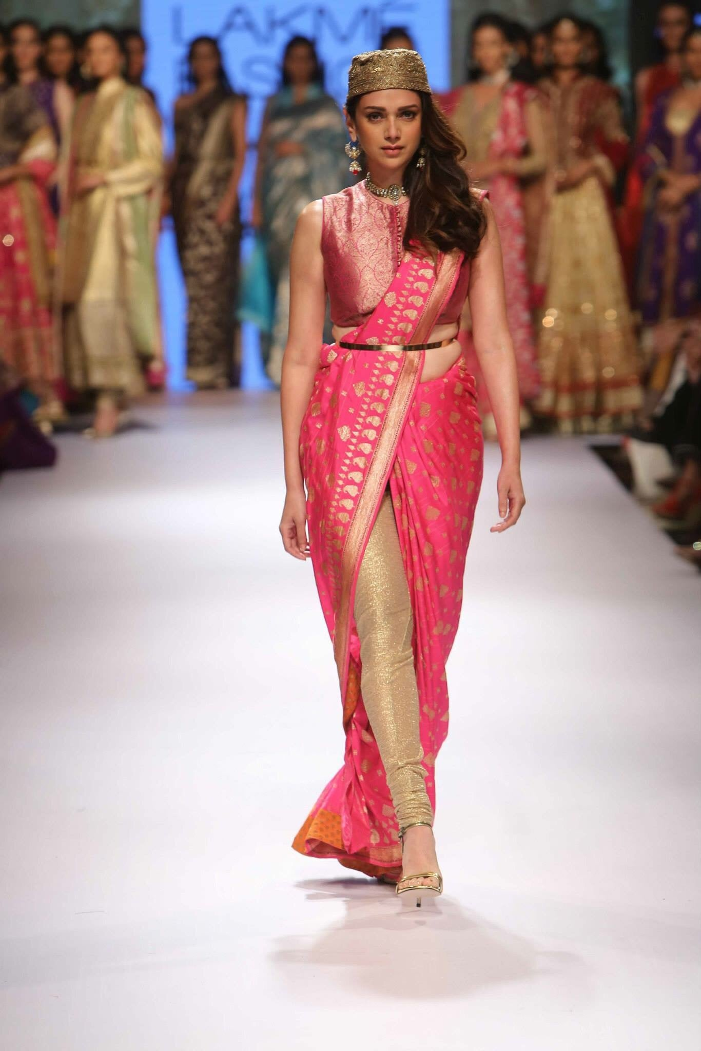 latest-trends-in-saree-fashion-world
