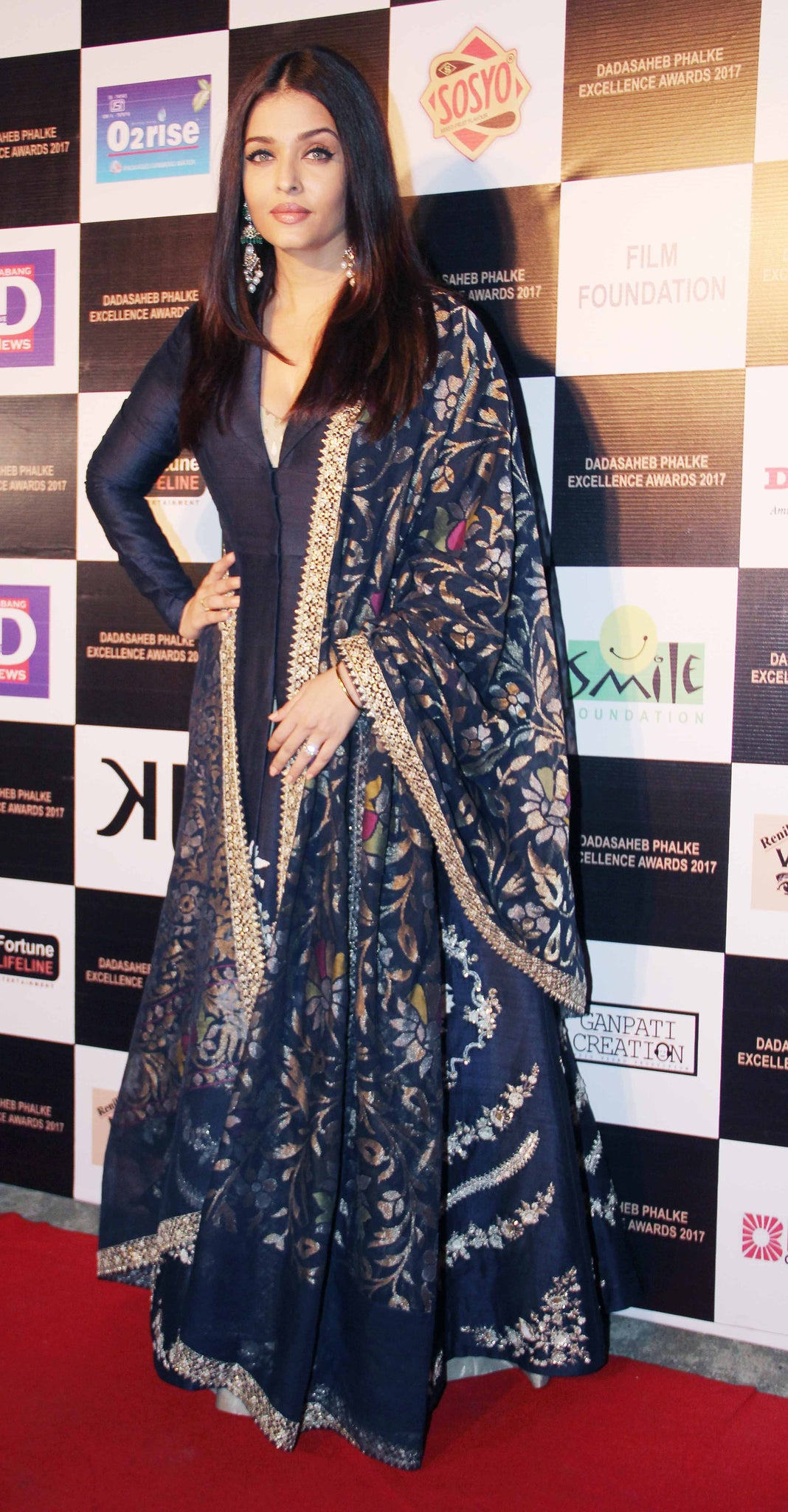 Aishwarya Rai Bachchan Looked Drop Dead Gorgeous In Blue Anarkali Suit By Anju Modi