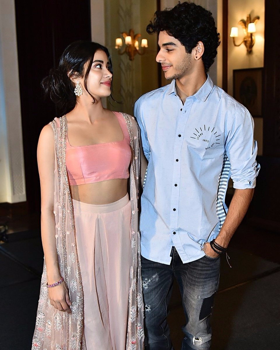 Janhvi-Kapoor-in-Jade's-Desinger-Blouse-and-Palazzo-Set