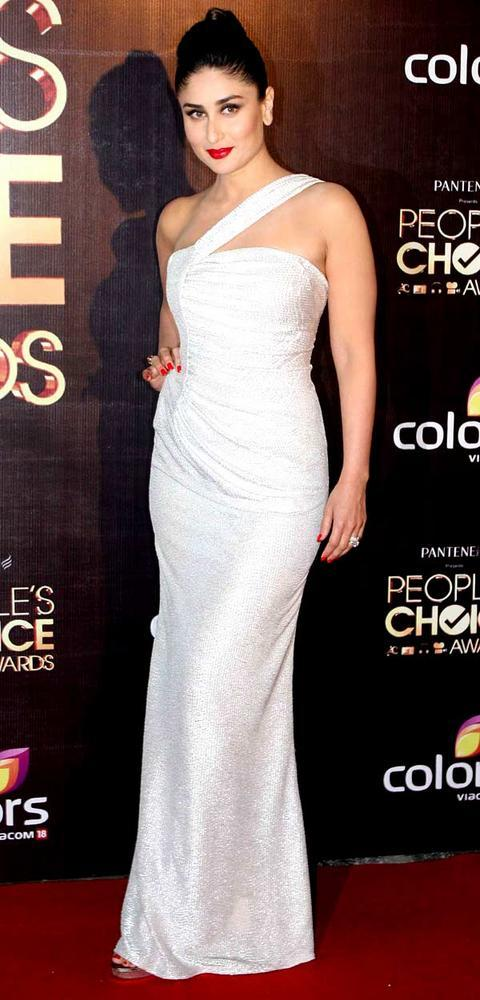 kareena-kapoor-khan-in-white-dress