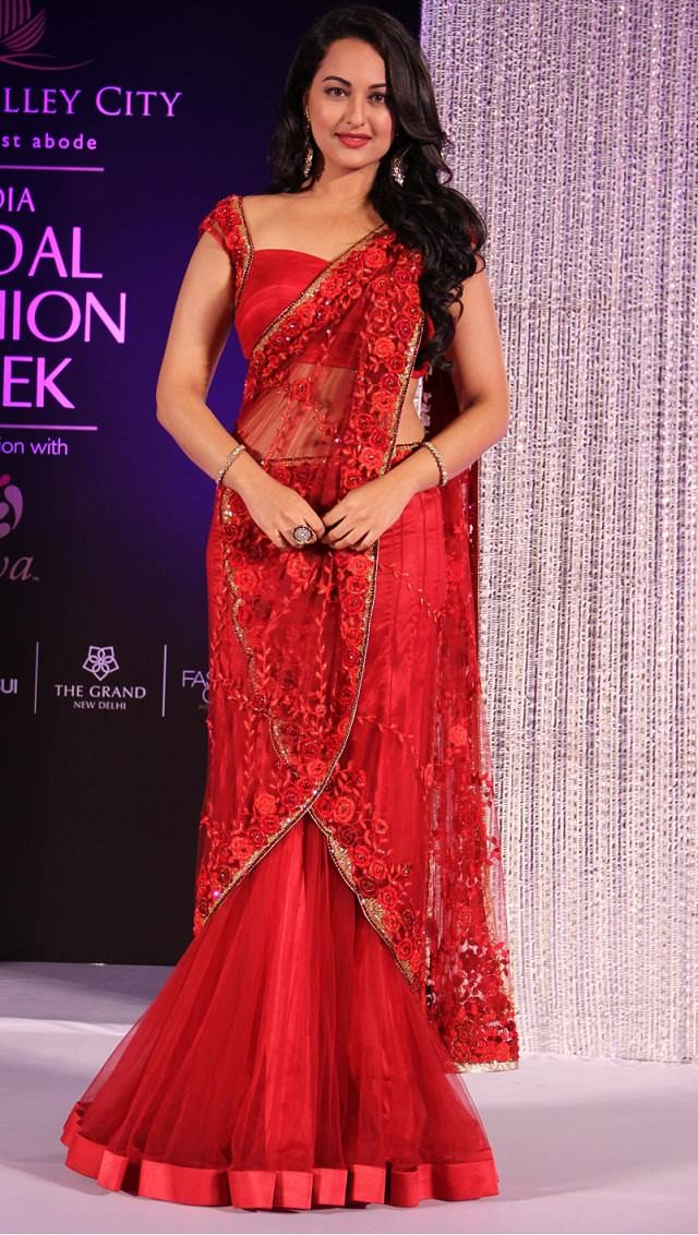 sonakshi-sinha-in-designer-mermaid-style-saree