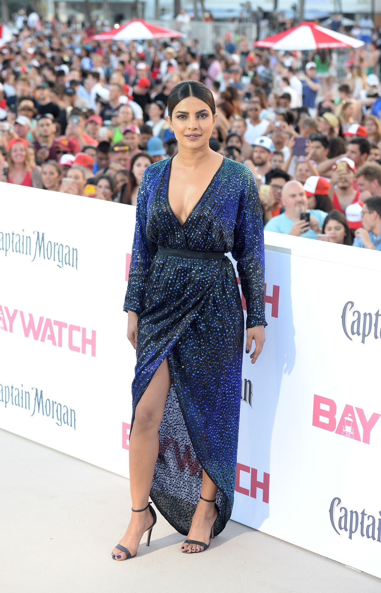 It was the world premiere of 'Baywatch' which happened yesterday in Miami and the iconic Pee Cee was all dressed-up like an absolute show-stealer. But suddenly, a moment of surprise came in while Priyanka was addressing the media.