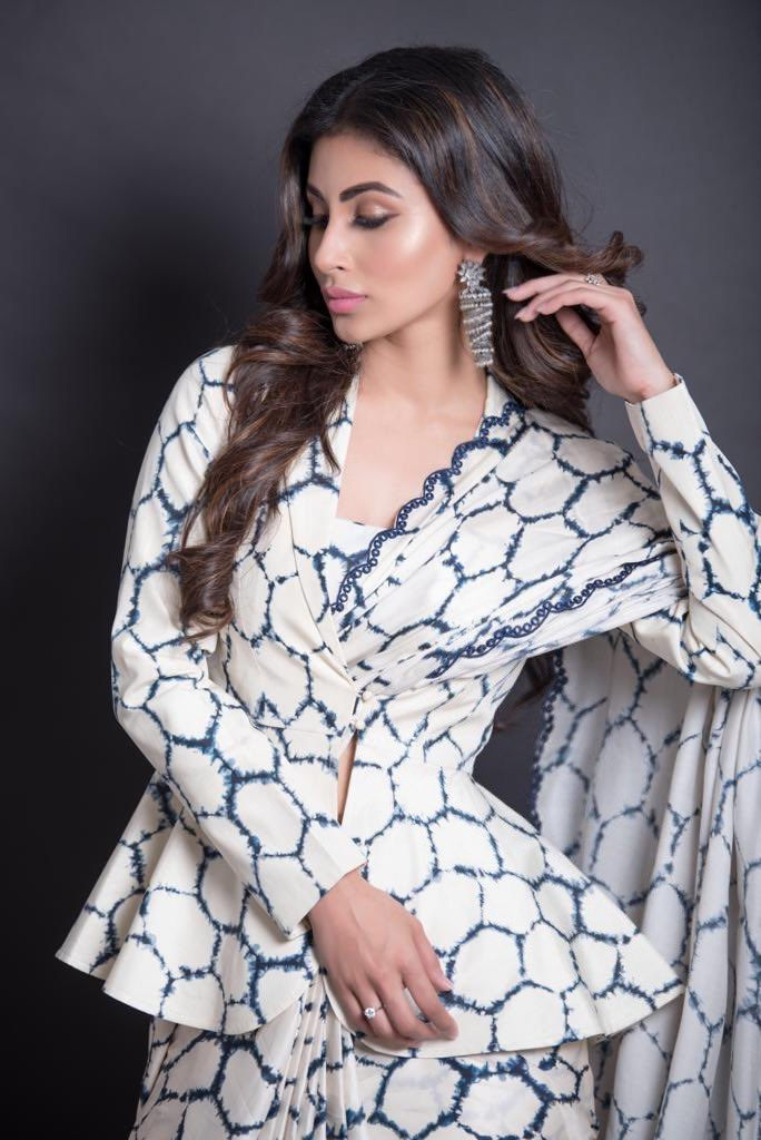 Mouni-Roy-in-Punit-Balana's-Printed-Saree-With-Jacket-Blouse