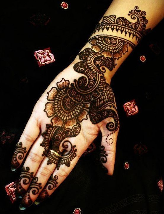 31 Best Pakistani Mehndi Designs With Images