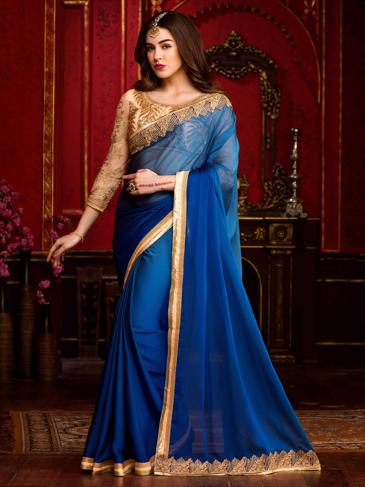 plain-saree-with-golden-border