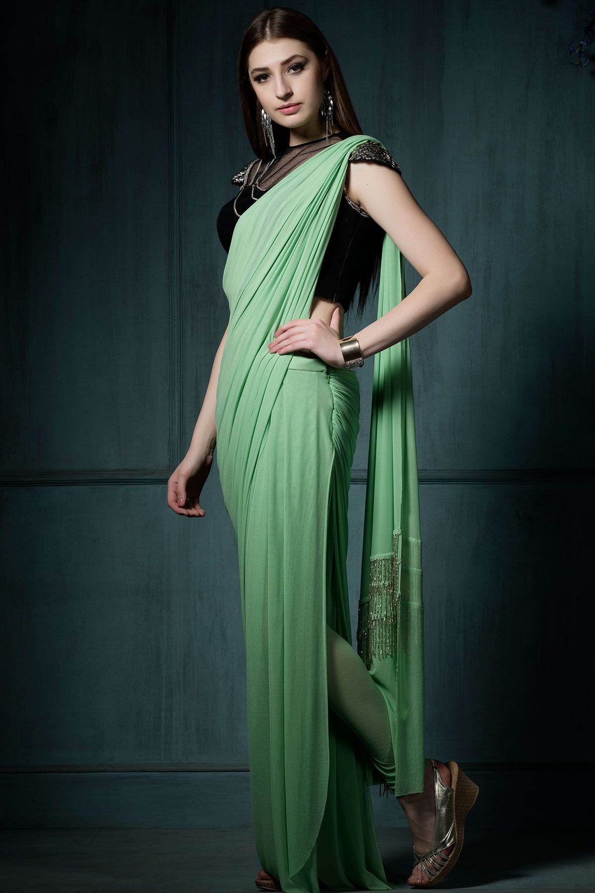 323a6e4d887df6 plain saree with designer blouse