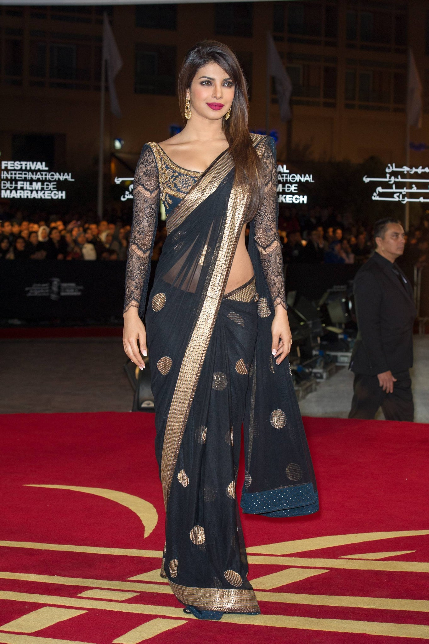 priyanka-chopra-black-saree