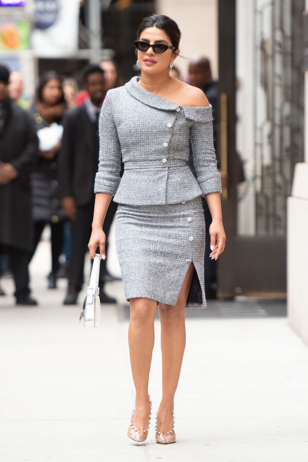 Priyanka Chopra's Outfit is the Perfect Mix of Street Style & Classy