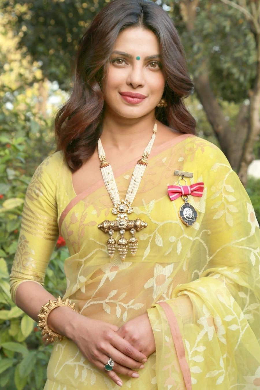 priyanka-chopra-yellow-saree
