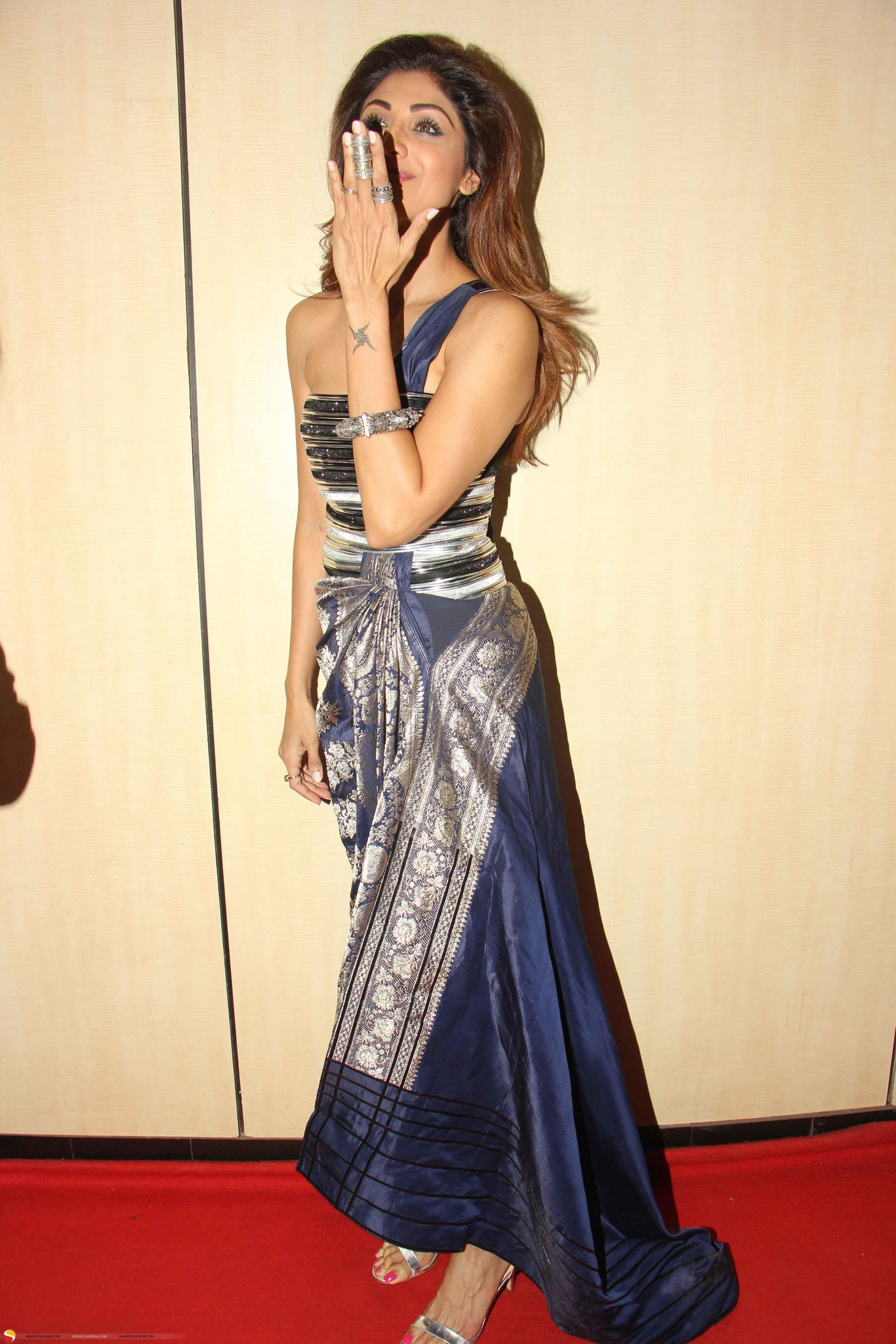Shilpa Shetty Looked Classy In A Saree Gown By Amit Aggarwal At The Dada Saheb Phal