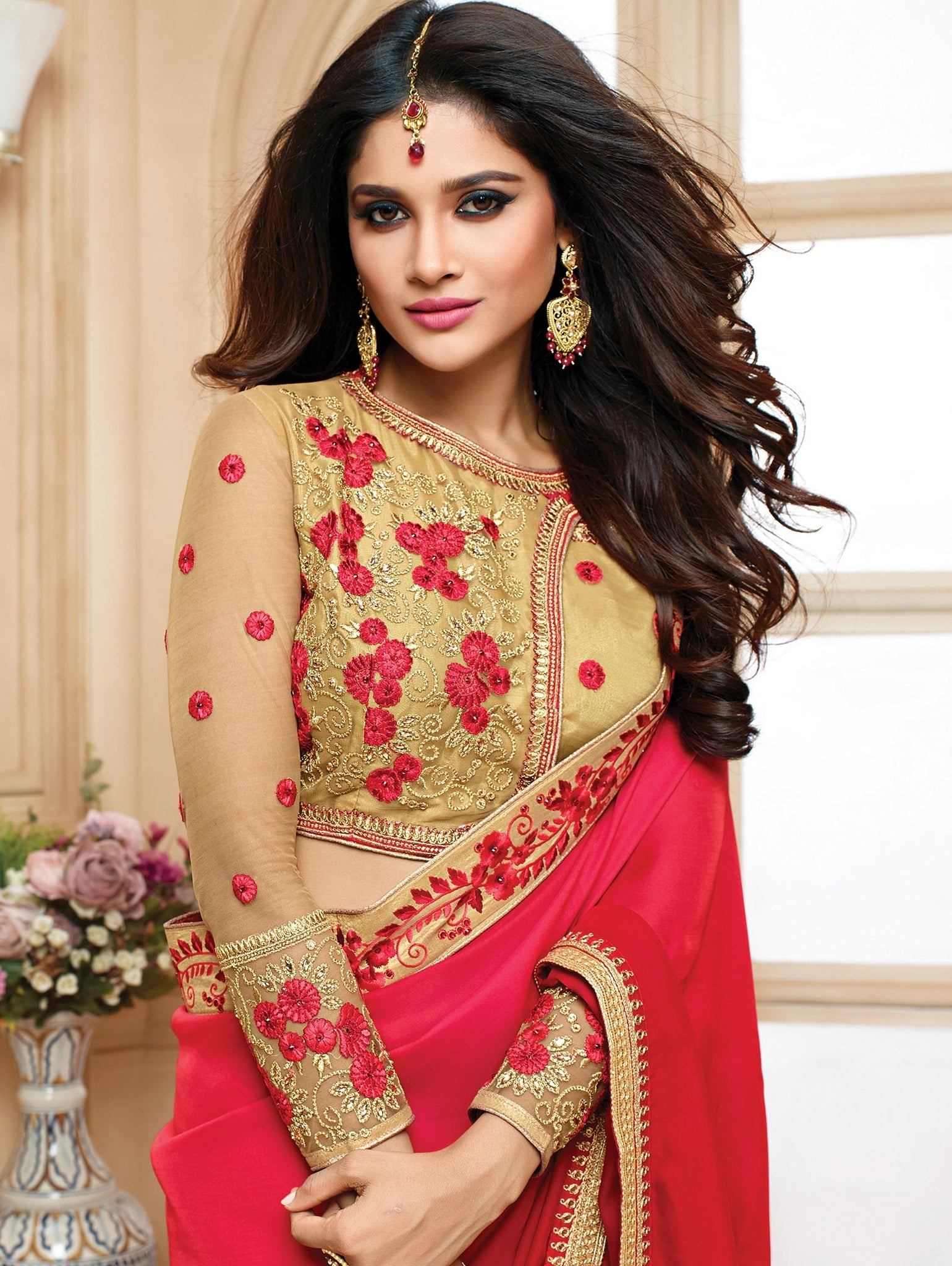 plain-saree-with-heavy-blouse