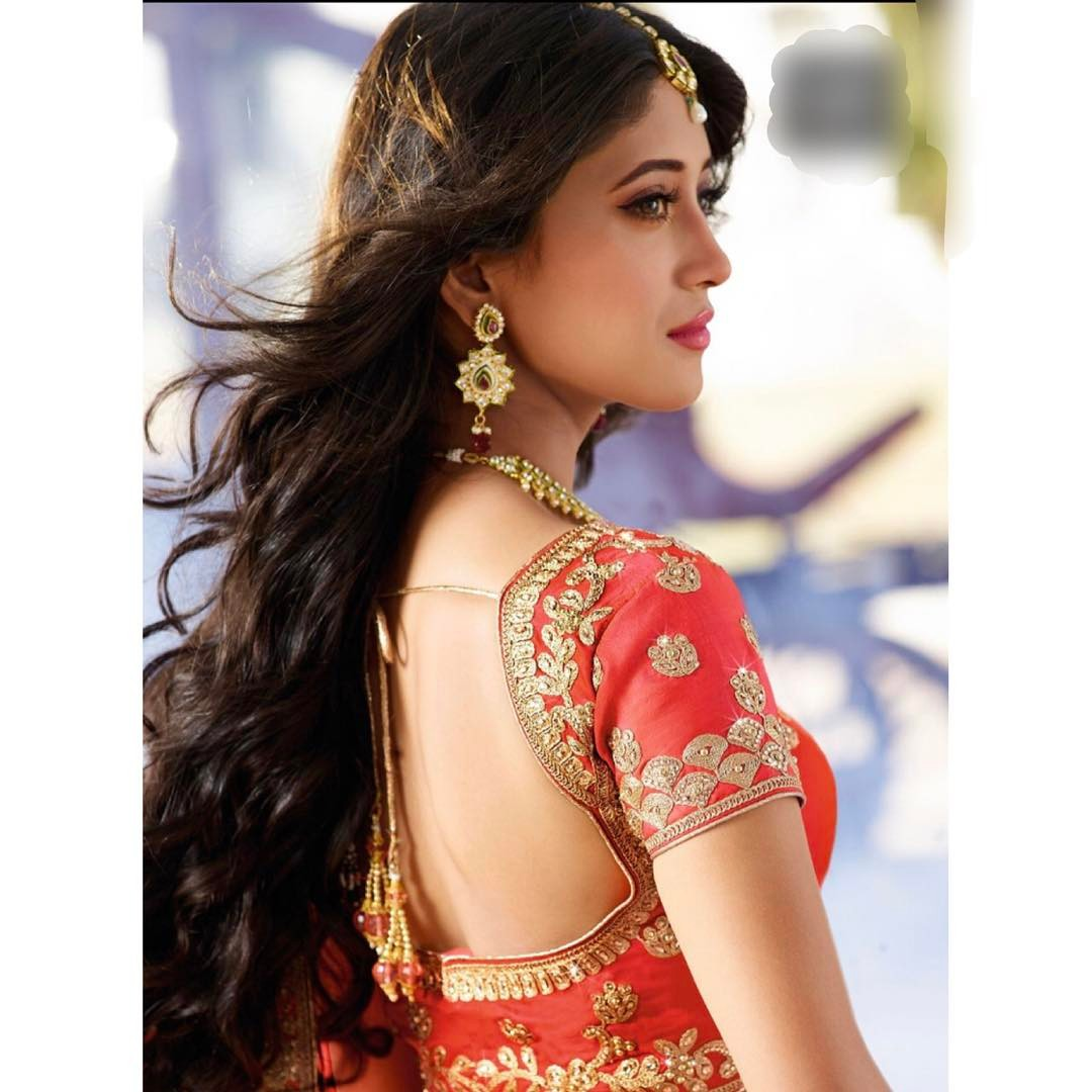 3099b4a81b Hindi TV serials not only provide the dose of entertainment but also keeps  you updated about the latest fashion trends. Be it stunning sarees, salwar  suits, ...